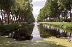 Kanal, Belgien lizenzfreie stockbilder