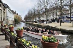 Kanal-Boots-Ausflug lizenzfreie stockfotos