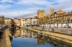Kanal de la Robine i Narbonne, Languedoc Roussillon, Frankrike fotografering för bildbyråer