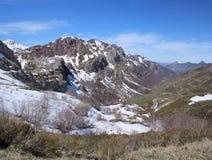 Kanal des Berges des Nordens von Spanien. Stockfotos