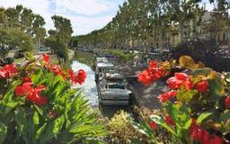 Kanal du Midi i Narbonne royaltyfria bilder