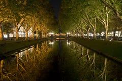 Kanal in Dusseldorf Stockbilder