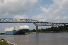 Kanal för lastfartyg C&D Arkivbild