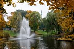 Kanal för springbrunnRiga stad Royaltyfria Foton