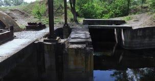 Kanal för urladdning av förlorat vatten stock video