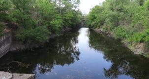 Kanal för urladdning av förlorat vatten lager videofilmer