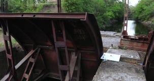 Kanal für Abfallbeseitigungswasser stock footage