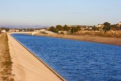 Kanal in Frankreich Stockfotos