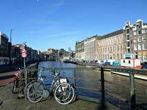 Kanal i Amsterdam royaltyfri bild
