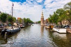Kanal i Amsterdam Nederländerna arkivbilder