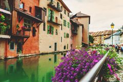 Kanal i Annecy arkivfoton
