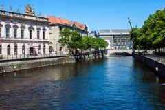 Kanal i Berlin, Tyskland royaltyfri fotografi