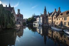 Kanal i Bruges Arkivfoto