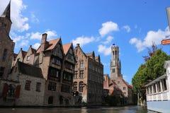 Kanal i Bruges Belgien fotografering för bildbyråer