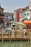 Kanal i Burano Royaltyfria Bilder