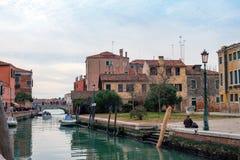Kanal i den Murano ön arkivbilder