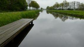 Kanal i friesland Royaltyfri Bild