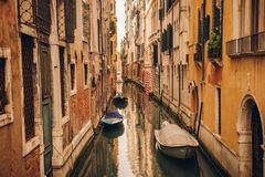 Kanal i Venedig, Italien royaltyfri bild