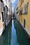 Kanal i Venedig, Italien Arkivbilder