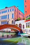 Kanal i Venedig Italien royaltyfria bilder