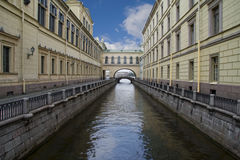 kanal nära vinter för nevapetersburg russia saint Arkivfoto