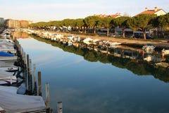 Kanal och fartyg i Grado, Italien Royaltyfria Foton
