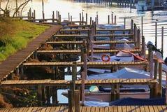 Kanal och fartyg i Grado, Italien Arkivfoto