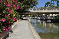 Kanal på Narbonne i Frankrike royaltyfri fotografi