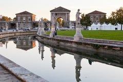 Kanal på piazza av den Prato dellaen Valle, Padua Arkivfoto