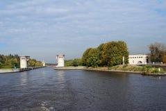 Kanal som namnges efter Moskva i Ryssland Arkivfoton