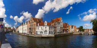 Kanal Spiegelrei, Bruges, Belgien arkivfoto