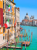 Kanal stora och basilikadi Santa Maria della Salute, Venedig, Italien royaltyfri foto