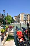 kanal stora pittoreska venice Arkivfoton