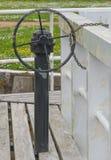 Kanal-Strömungsventil-Steuerung Stockfoto