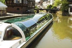 Kanal in Straßburg stockfotos