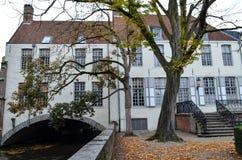 Kanal und Altbauten in Brügge, Belgien Stockfotografie