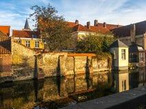 Kanal und Altbauten in Brügge, Belgien Stockfotos