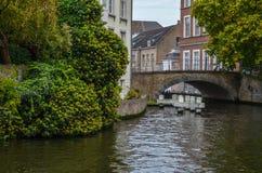 Kanal und Altbauten in Brügge, Belgien Stockfoto