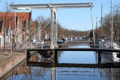 Kanal und Brücke Stockfotografie