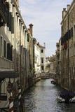 Kanal in Venedig lizenzfreie stockfotos
