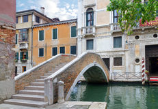 Kanal in Venedig, Italien lizenzfreie stockfotografie