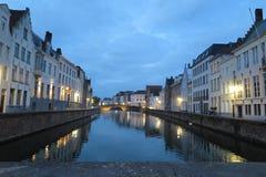 Kanal vid natt arkivfoton