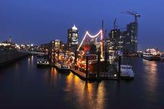 Kanal von Hamburg in der Nacht Lizenzfreie Stockbilder