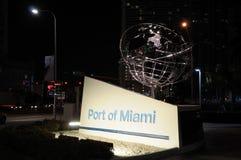 Kanal von Miami nachts lizenzfreies stockbild