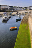 Kanal von Portivy in Frankreich lizenzfreie stockfotografie