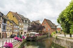 Kanal in wenigem Venedig in Colmar, Frankreich Stockbild