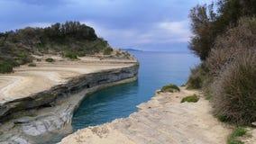 Kanalen av förälskelse, `-kärleksaffär för kanal D i Sidari corfu greece ö lager videofilmer
