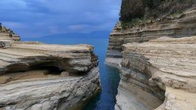 Kanalen av förälskelse, `-kärleksaffär för kanal D i Sidari corfu greece ö arkivfilmer