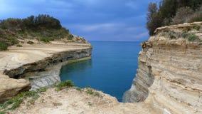Kanalen av förälskelse, `-kärleksaffär för kanal D i Sidari corfu greece ö stock video