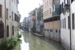 Kanalen i Padova royaltyfri foto